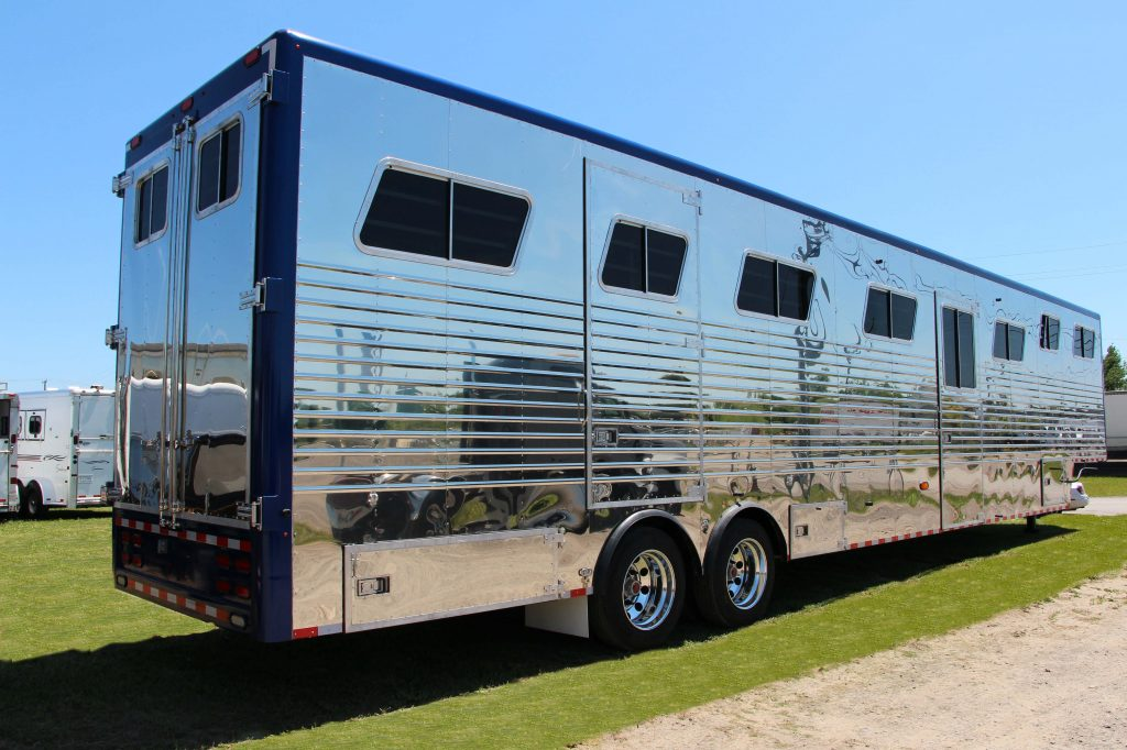 Doyle 15 Horse Trailer With Painted Top Rails