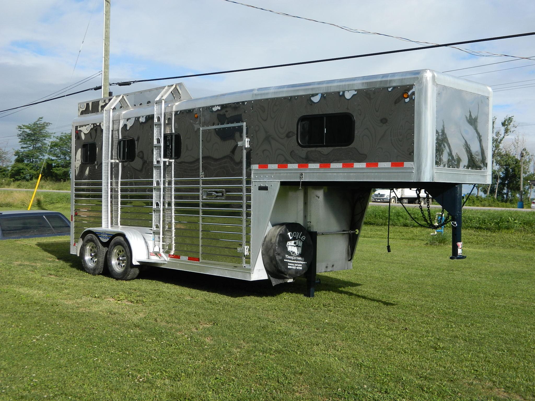 Stainless Steel Slant Load 3 Horse Trailer