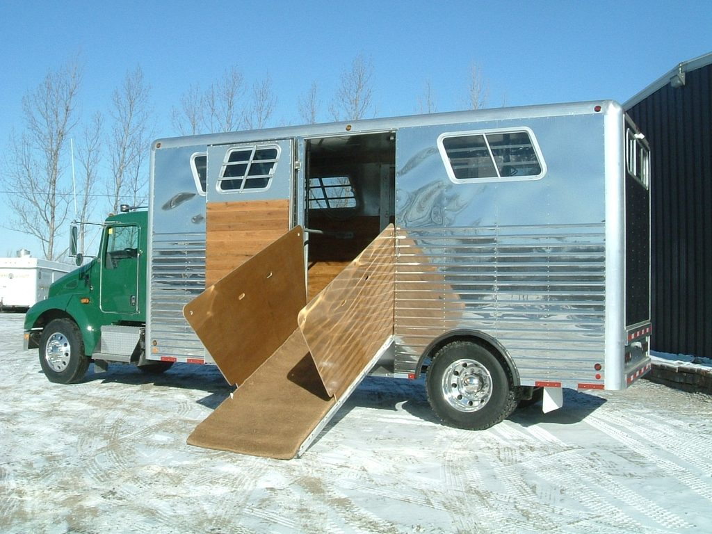 Imperatore horse vans for sale - Driver Side View With Ramp Down
